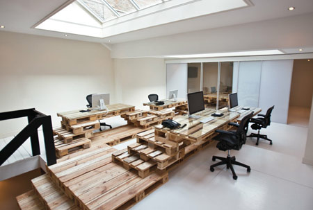 wood pallet uses - office 3