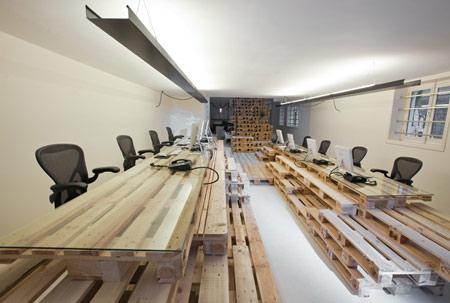 wood pallet uses - office
